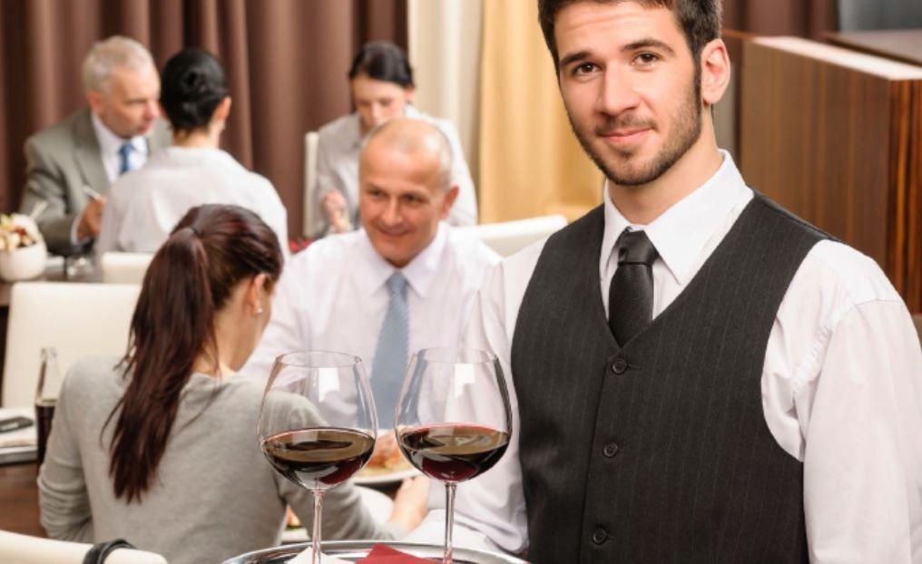 Hotely a sklady, pečovatelské a zdravotnické služby